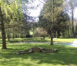 Camping 3 étoiles avec étang pour la pêche